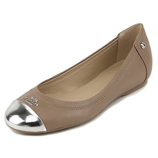 coach canada outlet online f1ka  Coach Women's Chelsea Leather Flat