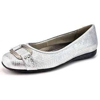 Trotters Sizzle Signature Round Toe Leather Flats