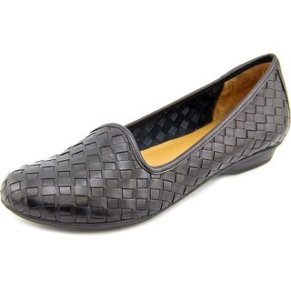 Naturalizer Sandee Women N/S Round Toe Leather Loafer