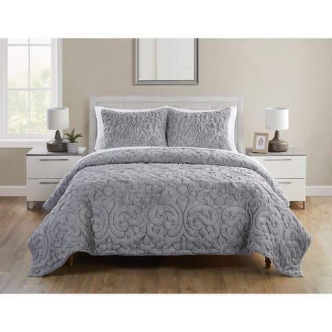 Shari Quilted Plush Grey Quilt Set