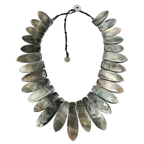 Handmade Mystical Black Lip Shell Tassel Graduated Neckline Statement Necklace (Thailand) - Grey