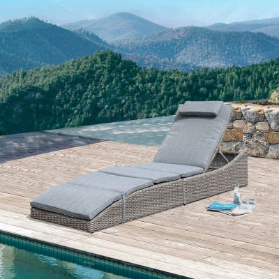 Outdoor Wicker Chaise Lounge Folding Chair with Adjustable Backrest