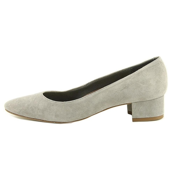 Walking Cradles Womens Heidi Suede Closed Toe Classic Pumps
