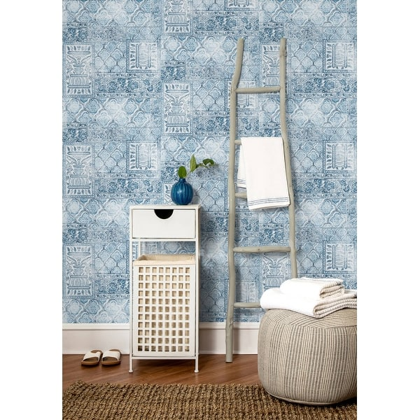 Shop Nextwall Patchwork Bohemian Peel And Stick Removable Wallpaper 20 5 In W X 18 Ft L Overstock 31473063