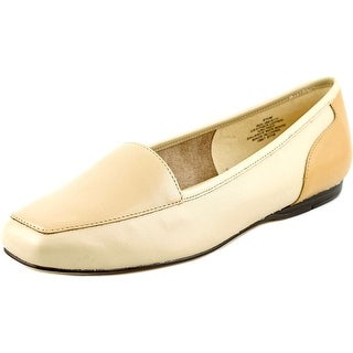 Bandolino Liberty Women Square Toe Leather Nude Loafer