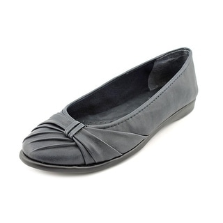 Easy Street Giddy N/S Round Toe Synthetic Flats