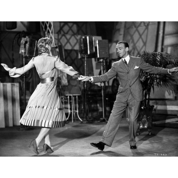 Shop Fred Astaire And Ginger Rogers Dancing Hand In Hand Photo Print Overstock 25383032