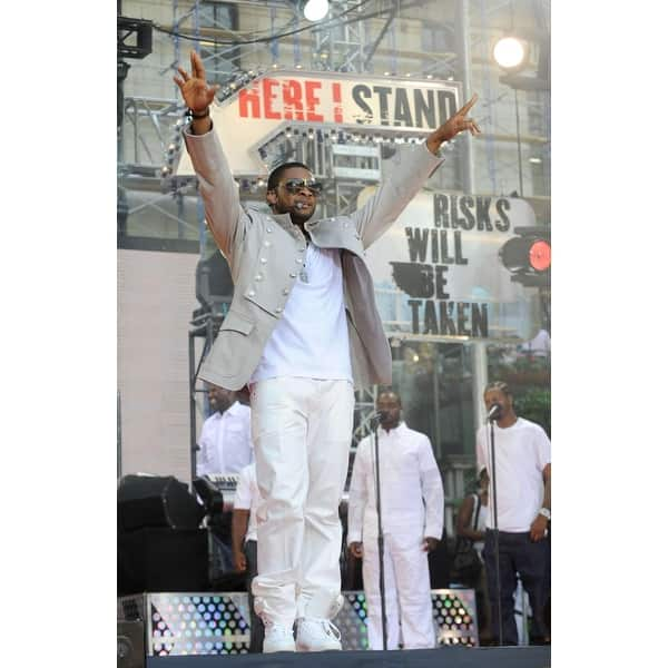 Shop Usher On Stage For Abc Gma Concert With Usher Bryant Park New York Ny May 30 2008 Photo By Kristin Callahaneverett Collection Ce Overstock 24368689