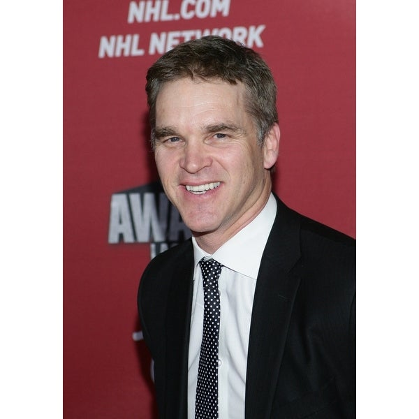 Shop Luc Robitaille At Arrivals For 2015 National Hockey League