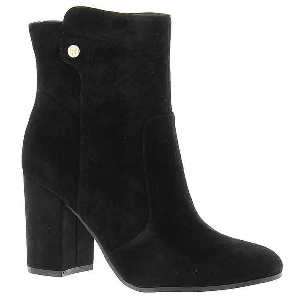 cdb8e645732 Tommy Hilfiger Womens NATALAI Suede Round Toe Ankle Fashion Boots