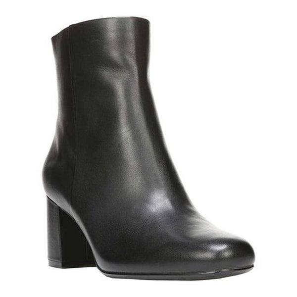74f107688b8 Naturalizer Women  x27 s Westing Block Heel Ankle Bootie Black Leather