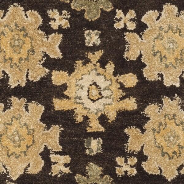 Safavieh Handmade Taj Mahal Bibine Traditional Oriental Wool Rug. Opens flyout.