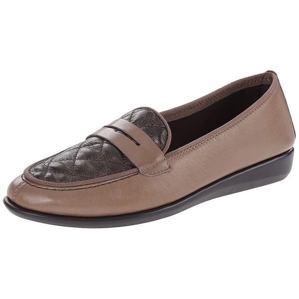 The FLEXX Women's Risolution Penny Loafer - 8