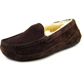 Ugg Australia Ascot Moc Toe Suede Slipper|https://ak1.ostkcdn.com/images/products/is/images/direct/0f9a34e9310fdf07c8e3638d0b866f31a3046486/Ugg-Australia-Ascot-Youth-Moc-Toe-Suede-Brown-Slipper.jpg?impolicy=medium
