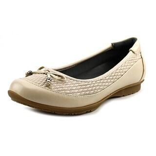FootSmart Kathleen W Round Toe Synthetic Flats