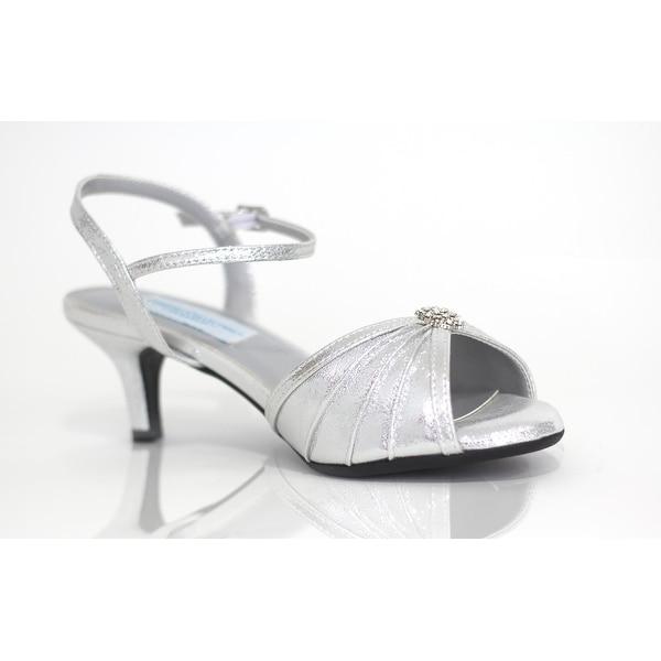 Metallic Low-Heel Peep Toe