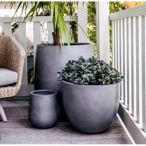 DreamPatio Long Beach 1-Piece Fiberstone Planter