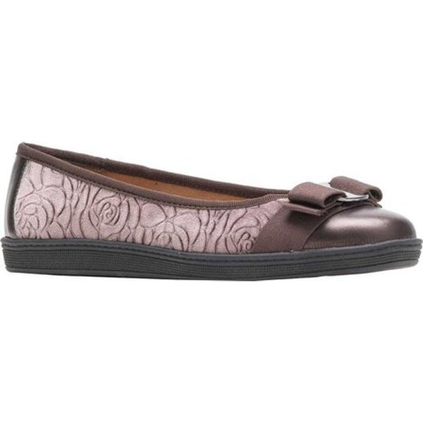 Shop Soft Style Women's Faeth Flat Mushroom Rose - Velvet - On Sale - Rose - 22865742 ac04e8