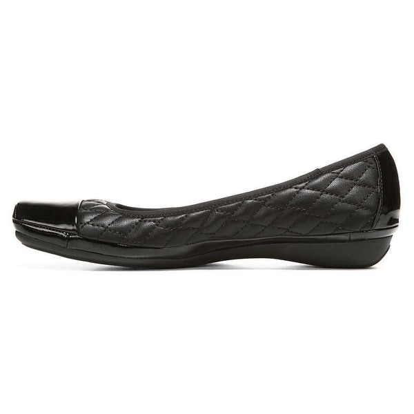 351e3a640f609 Shop Naturalizer Womens Velma Cap Toe Ballet Flats - Free Shipping ...