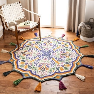 Link to Safavieh Handmade Novelty Naemi Bohemian Floral Wool Rug Similar Items in Classic Rugs