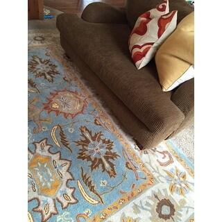 Safavieh Handmade Heritage Timeless Traditional Light Blue/ Ivory Wool Rug (9' x 12')