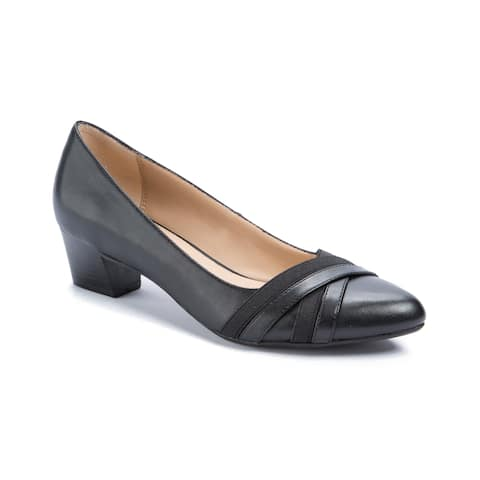 3e5a72c3890 Andrew Geller Womens Olena Pointed Toe Classic Pumps - 9