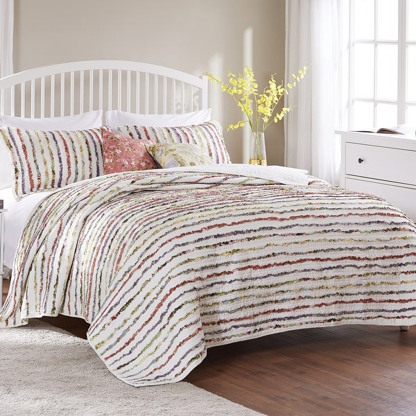 Greenland Home Fashions Bella Ruffled Floral 3-piece Cotton Quilt Set. Opens flyout.