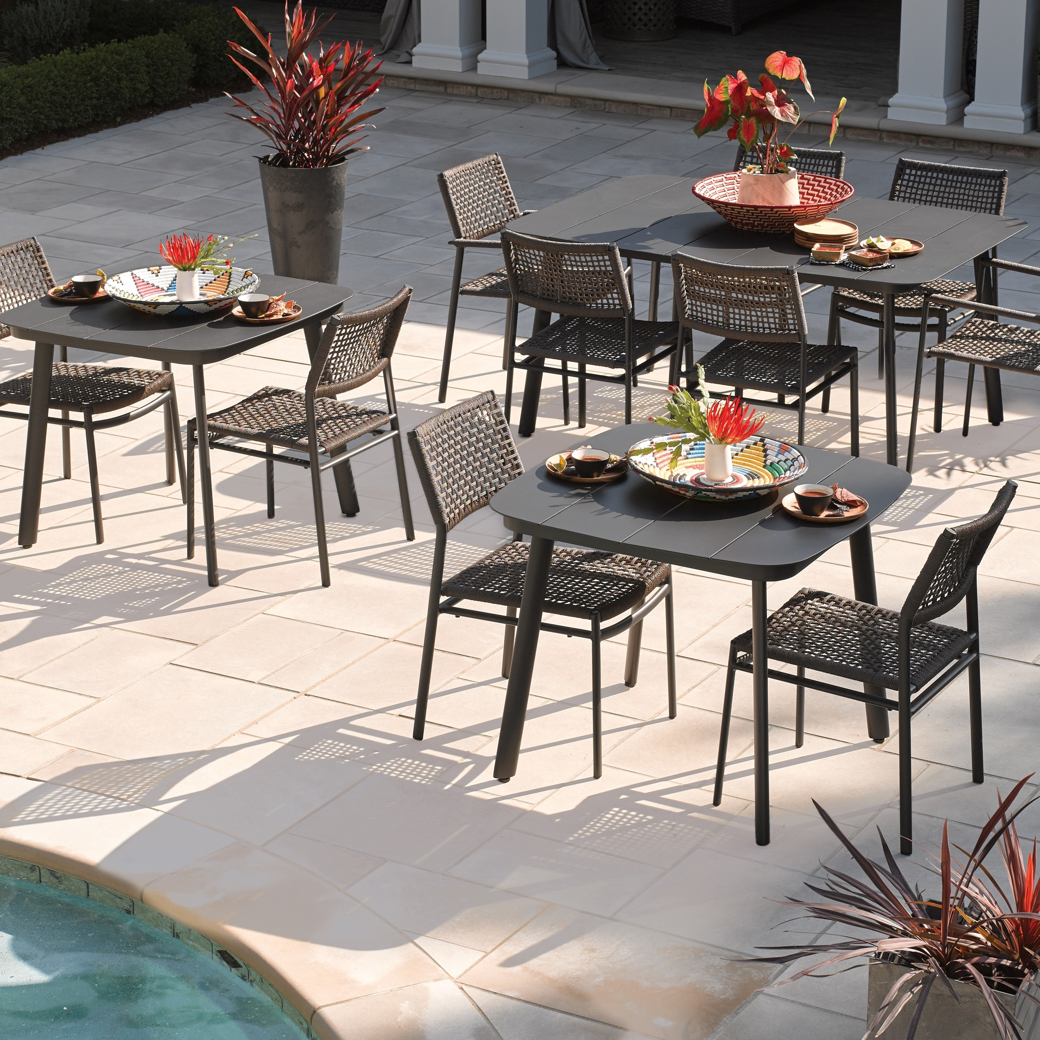 Oxford Garden Eiland 36 Inch Powder Coat Carbon Square Dining Table Overstock 27089947