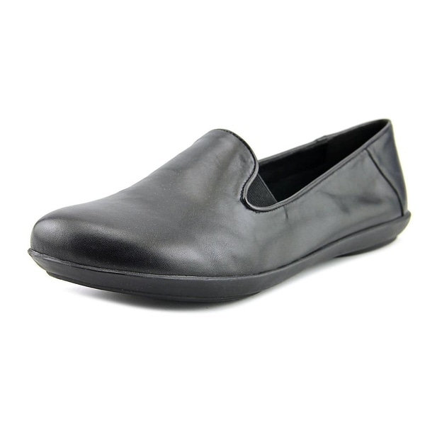 Metro Wellesley Women Black Flats