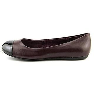 Soft Walk Womens Leather Ballet Flats