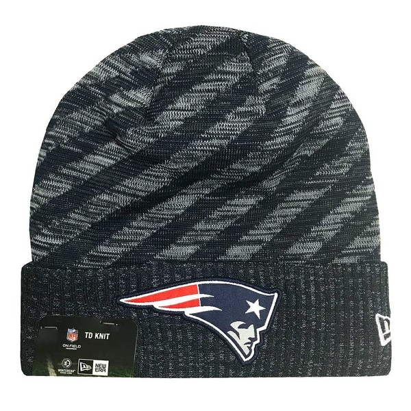 7dcb4d353 New Era 2018 NFL New England Patriots Touchdown Stocking Knit Hat Winter  Beanie