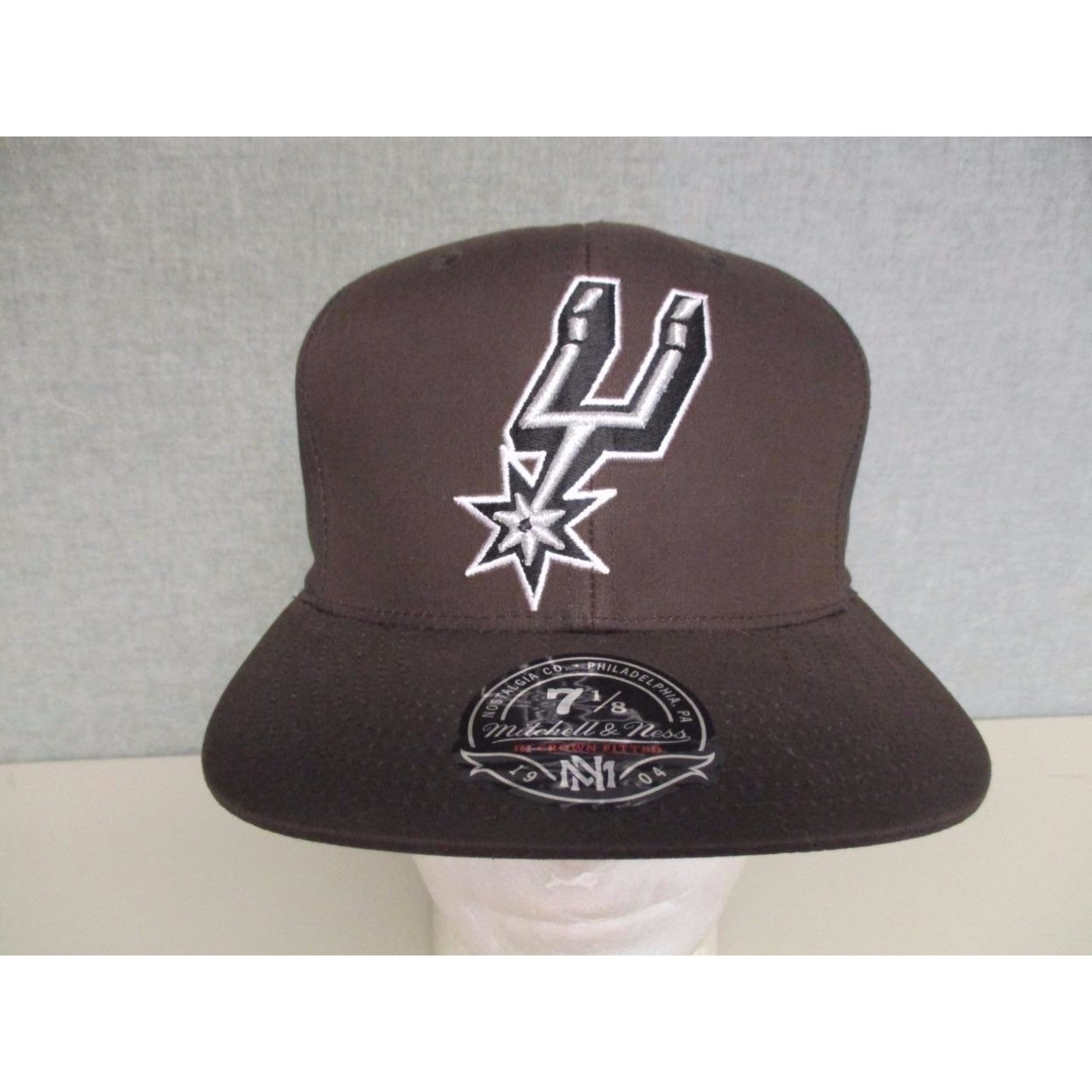 San Antonio Spurs Mens Mitchell & Ness Size 7 1/8 Flatbrim Brown/Camo Hat $32