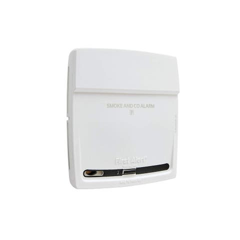 First Alert PC900 Battery-Operated Combination Smoke Carbon Monoxide Alarm