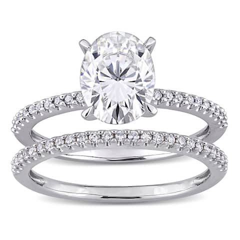 Miadora 2ct DEW Oval-Cut Moissanite and 1/4ct TDW Diamond Bridal Ring Set in 14k White Gold