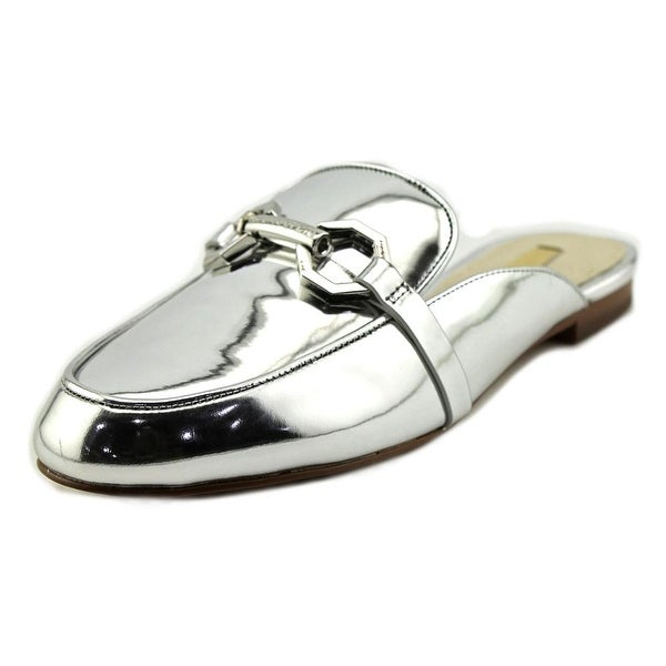Louise et Cie Finay Women Round Toe Leather Silver Loafer
