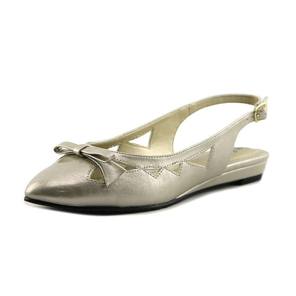 Soft Style by Hush Puppies Deni Bone Pearlized Pumps