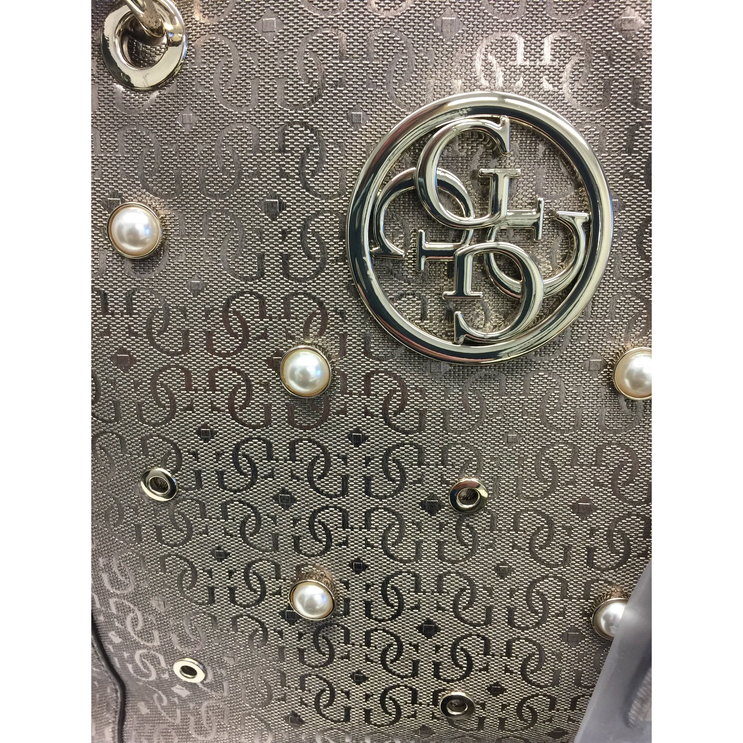 be2ed50d83f308 Shop GUESS Kamryn Signature Large Tote Bag Pewter - One Size - Free  Shipping Today - Overstock - 28457358