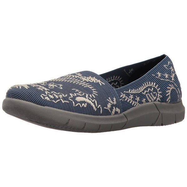 Bare Traps Womens Kessie Fabric Low Top Slip On Fashion Sneakers