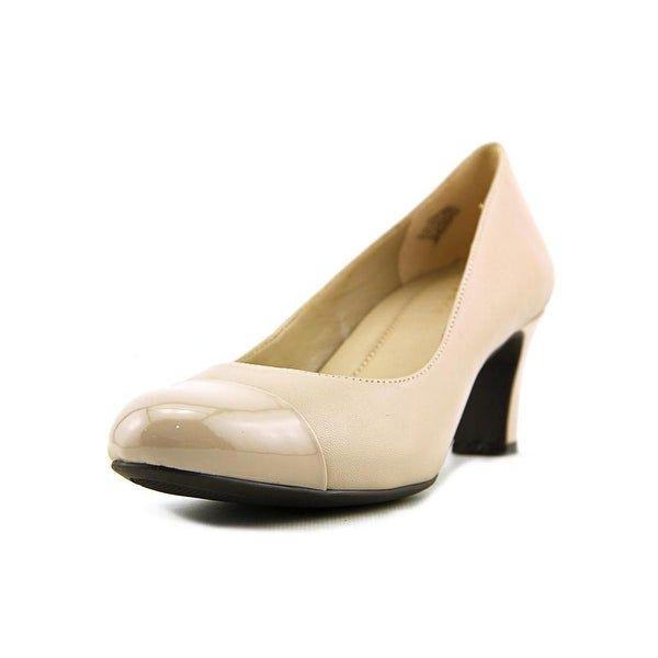 Easy Spirit Raphael    Cap Toe Leather  Heels