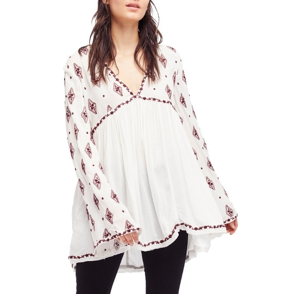 ade99464324a Shop Free People White Women s Size Small S Diamond Embroidered Top - Free  Shipping Today - Overstock - 26960136
