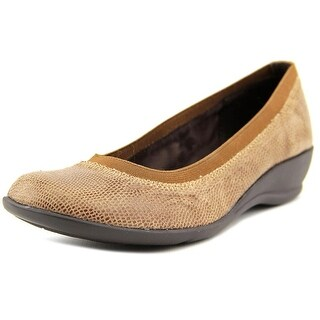 Soft Style by Hush Puppies Rogan Women Square Toe Canvas Brown Flats