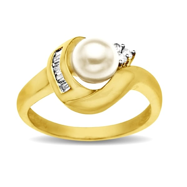 7 mm Freshwater Pearl and 1/6 ct Diamond Ring in 14K Gold - Size 7