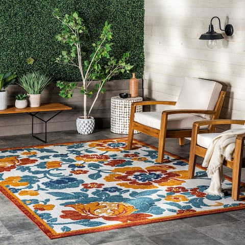 nuLOOM London Textured Floral Indoor/Outdoor Area Rug