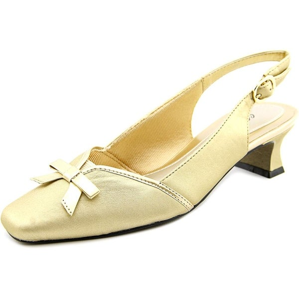 Easy Street Incredible Women Gold Pumps