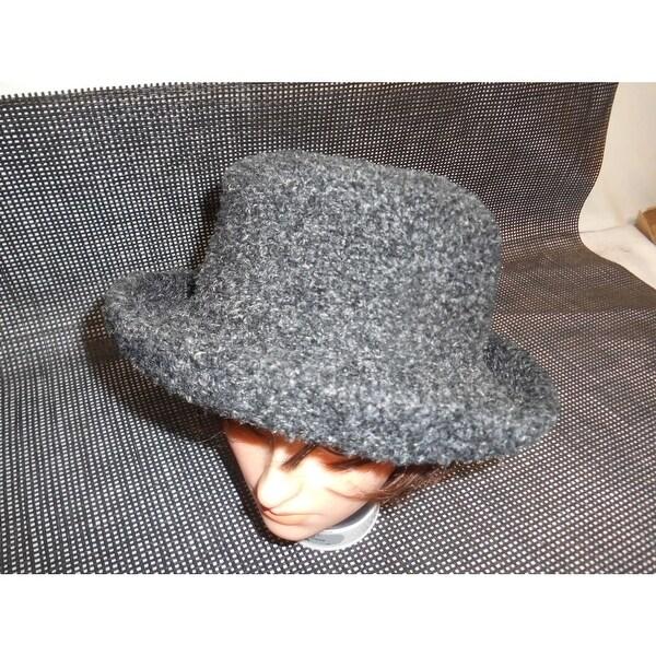71a3641635b30 Old LIZ CLAIBORNE DESIGNER VILLAGER WOMEN  x27 S HAT Fashion Accessories