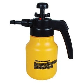 Pipeman Install Solution 42Oz Pressurized Pump Sprayer