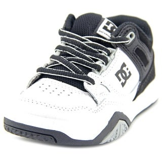 DC Shoes Stag 2 Round Toe Leather Skate Shoe