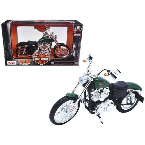 2013 Harley Davidson XL 1200V Seventy Two Green Motorcycle Model 1/12 by Maisto