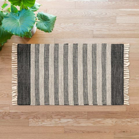 Alexander Home Jordyn Farmhouse Hand-Woven Area Rug