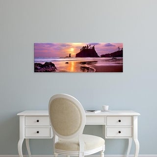Easy Art Prints Panoramic Image 'Sea stacks at sunset, Second Beach, Olympic National Park, Washington' Canvas Art